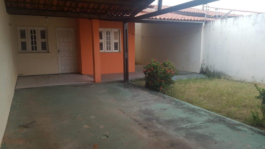 Casa com 03 quartos na Vila Grega, Aracati – CE